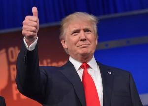 trump thumbs up pic